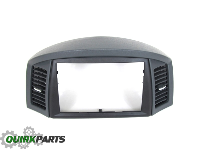 Quirk Jeep Braintree >> 05-06 JEEP GRAND CHEROKEE NAVAGATION NAV GPS RADIO BEZEL TRIM OEM NEW MOPAR | eBay